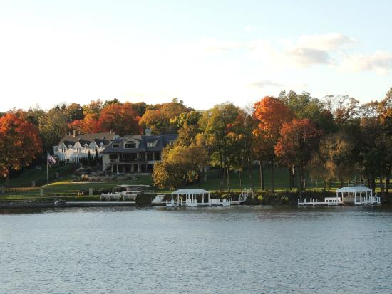 fall colors on geneva lake picture of harbor shores on. Black Bedroom Furniture Sets. Home Design Ideas