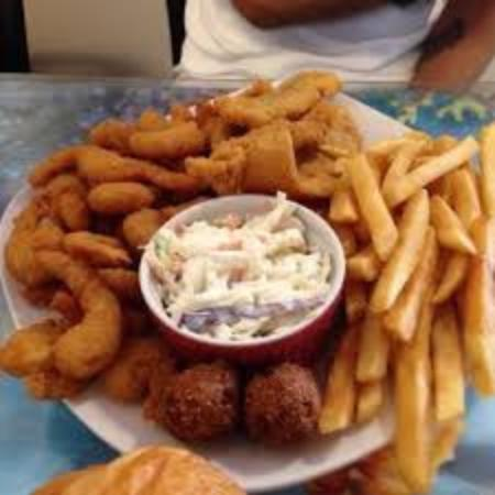 Fresh seafood market restaurant charleston restaurant for Fish market virginia beach