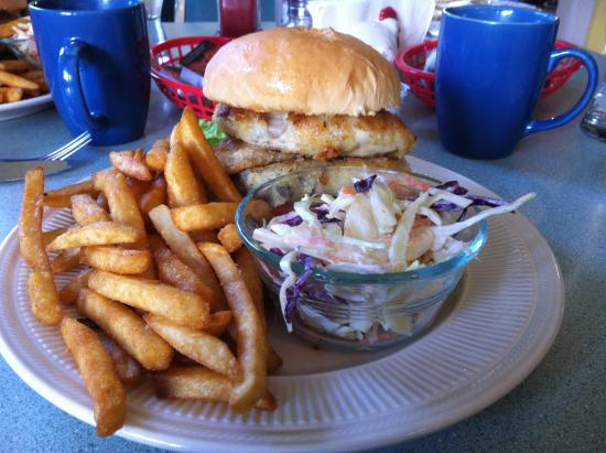 Fanny Bay, Kanada: Oyster Burger To Die For