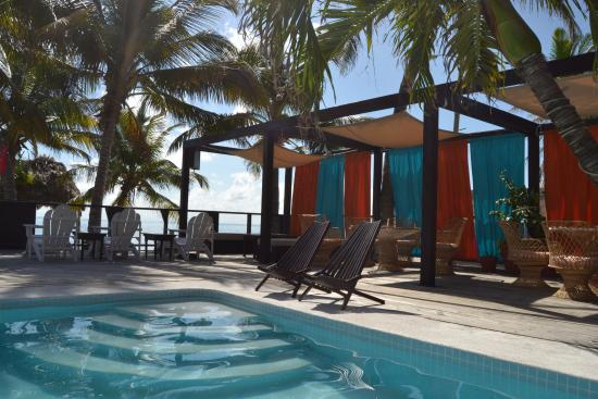 Ocean Tide Beach Resort: Shelter from the sun