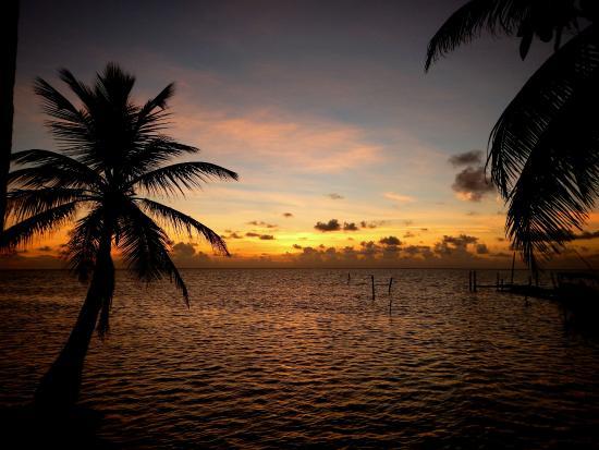 Ocean Tide Beach Resort: Morning sunrise