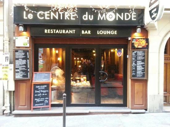 das restaurant von au en picture of le centre du monde paris tripadvisor. Black Bedroom Furniture Sets. Home Design Ideas