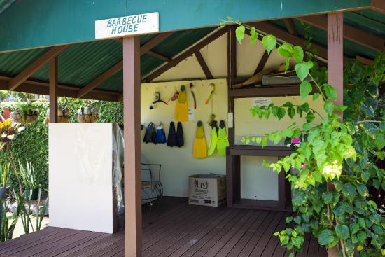 Ngatangiia, Cook Islands: BBQ Hut