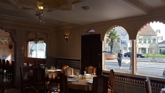 l 39 etoile du maroc sainte genevi ve des bois restaurant avis num ro de t l phone photos. Black Bedroom Furniture Sets. Home Design Ideas