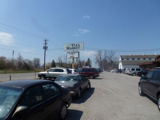Parking Lot at Flea Market - Picture of Courtice Flea Market