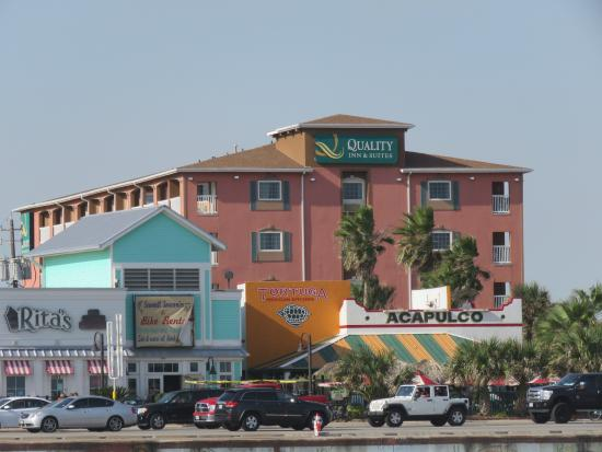 Nov 22,  · Coin-operated laundry facilities are located on the premises for guest ustubes.mlr traveling for business or pleasure, the Quality Inn & Suites Beachfront hotel is the perfect place to stay when visiting the Galveston, Texas area.4/4().