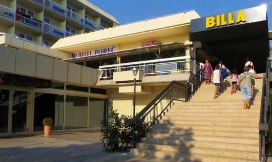 Hotel Porec: Вход в отель