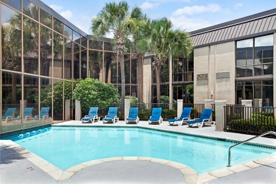 Baymont Inn & Suites Houston- Sam Houston Parkway
