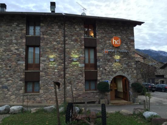Castejon de Sos, Espagne : Fachada el hotel
