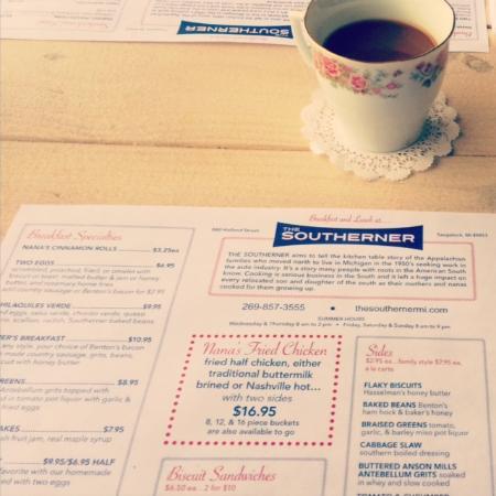 Saugatuck, MI: Coffee in adorable tea cups