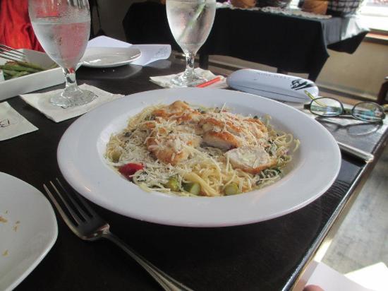 Bistro 19: Chicken pasta