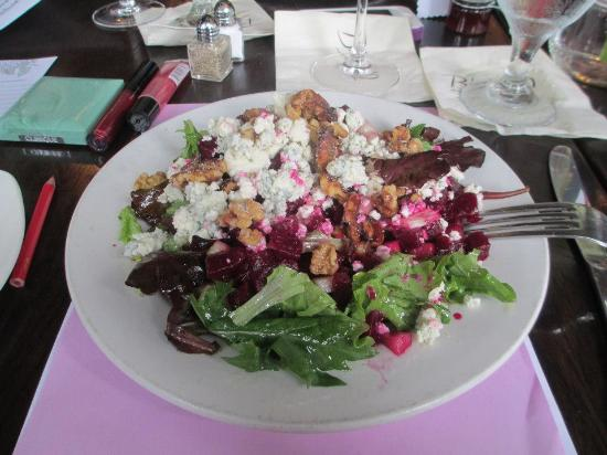 Bistro 19: Pear and Roasted Beet Salad