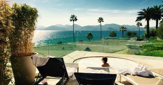 Radisson Blu 1835 Hotel & Thalasso: Jacuzzi du SPA