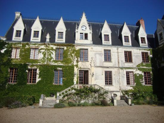 Reignac-sur-Indre, Fransa: Vorderseite des Schlosses