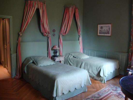 Reignac-sur-Indre, Fransa: 2 - Bett Zimmer