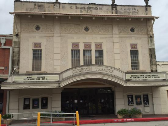 Crighton Theatre: Historic 1934 restored vaudeville theatre