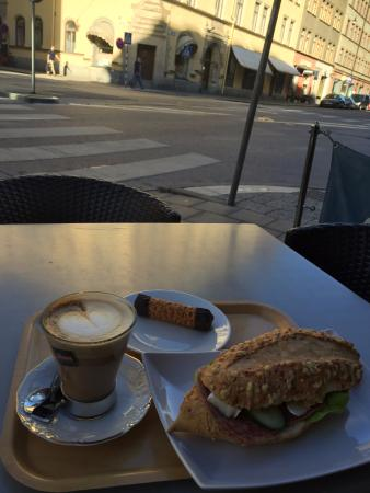 Nybergs Konditori: cafe da manha