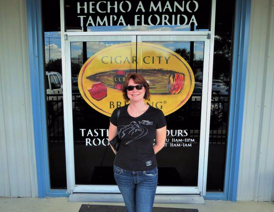 Cigar City Brewing: Hottie loves beer