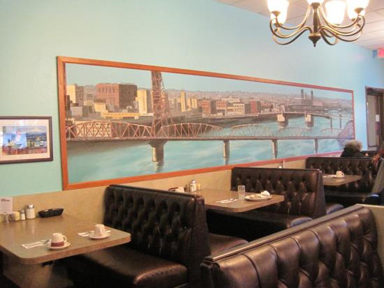 Tom S Restaurant Portland Reviews Phone Number Photos Tripadvisor