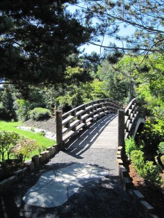 Gresham, Oregón: Bridge into the garden