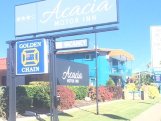 Acacia Motor Inn: Front Sign