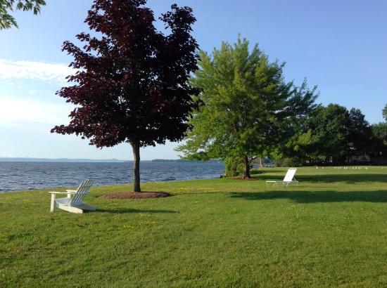 North Hero, VT : Over 100 acres of maintained lawn lead down to the lake as part of their expansive shoreline.