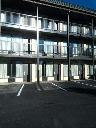 Econo Lodge Beckley: exterior