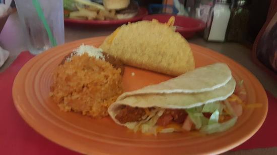 El Azteca Restaurant and Tequila Bar: 2 chorizo taco combo (lunch)