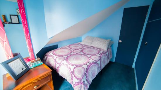ITH Adventure Hostel San Diego: Private Guest Room With Balcony