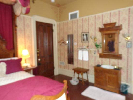 Garth Woodside Mansion Estate: Samuel Clemens Room