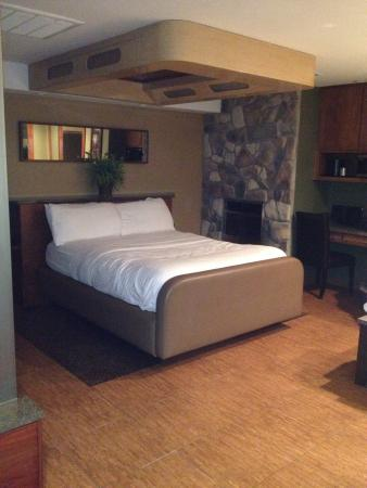 Champagne Lodge and Luxury Suites: photo0.jpg