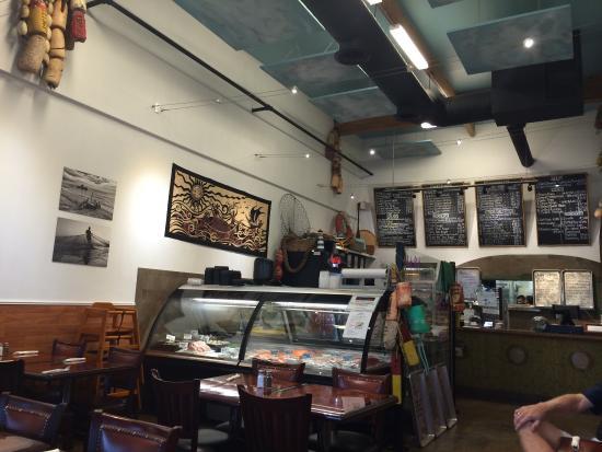 Goleta, Kaliforniya: Inside - ordering counter and fresh fish case