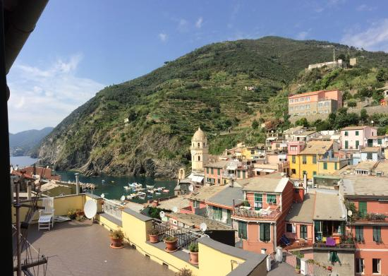 La Mala: the view of Vernazza from Room 19