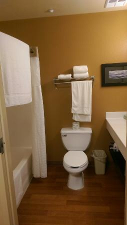 Extended Stay America - Annapolis - Womack Drive: TA_IMG_20151026_220332_large.jpg