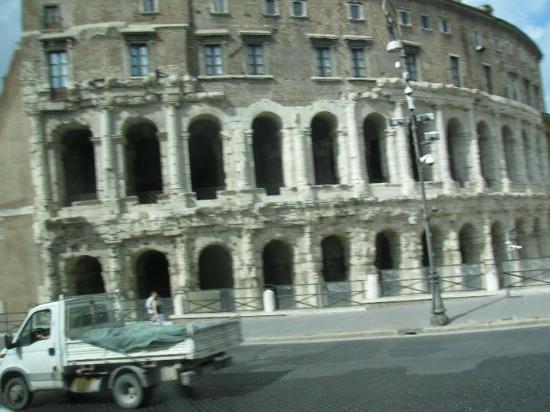 Coliseo Romano Picture Of Rome Lazio Tripadvisor