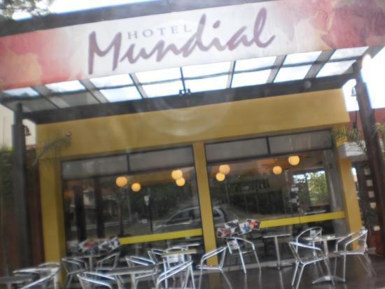 Hotel Mundial : FRENTE DEL HOTEL