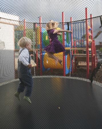 Nelson City TOP 10 Holiday Park: Children having fun