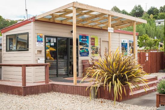 Nelson City TOP 10 Holiday Park: Reception / Office