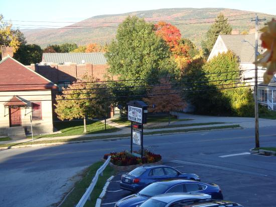 Bennington Motor Inn: View of Vermont scenery from room-12