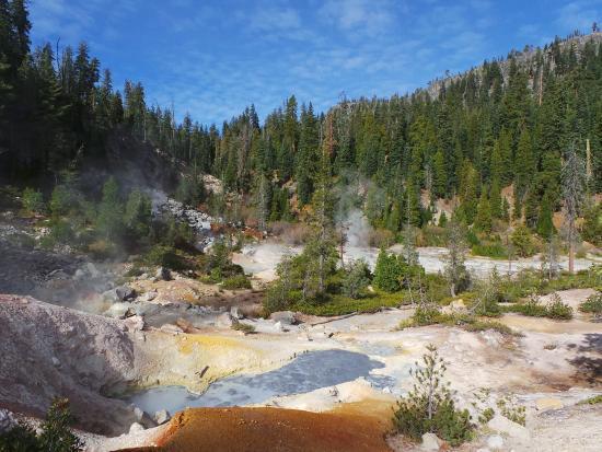 Bildresultat för california lassen volcanic national park devil's