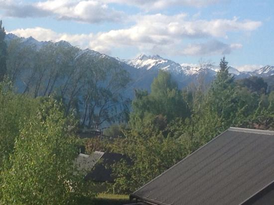 Wanaka Luxury Apartments : View from upstairs bedroom