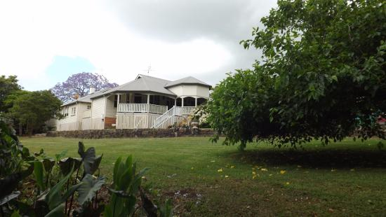 Bangalow Guesthouse: Rear of property