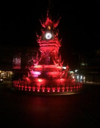 Wangcome: Clock show on the hour