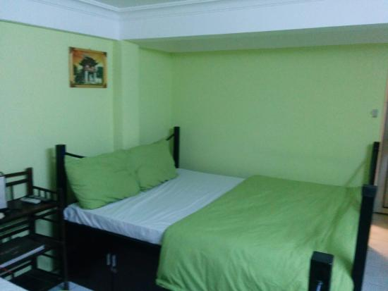 Hanoi Hostel: The private room with two double beds