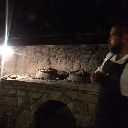 Zrnovo, Chorwacja: Checking the Peka.