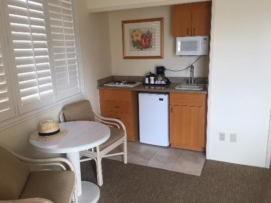 OHANA Waikiki East Hotel: Kitchenette