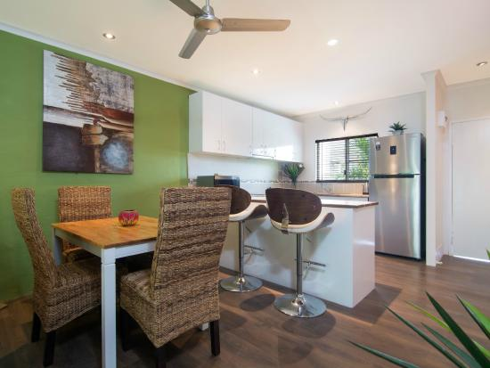 Titree Resort Holiday Apartments: Kitchen/Dining 2 bedroom  Deluxe