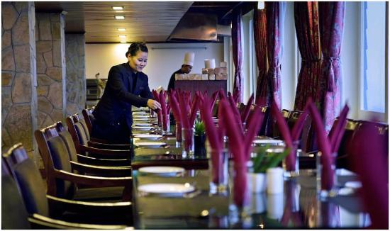 Summit Yashshree Suites and Spa : The Junction Restaurant