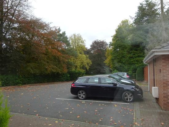 The Gables Hotel: Parking at back