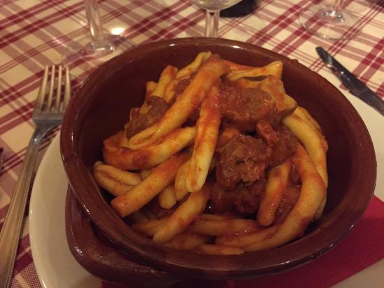 Ristorante La Tavernetta: Pasta con salsiccia e porcini